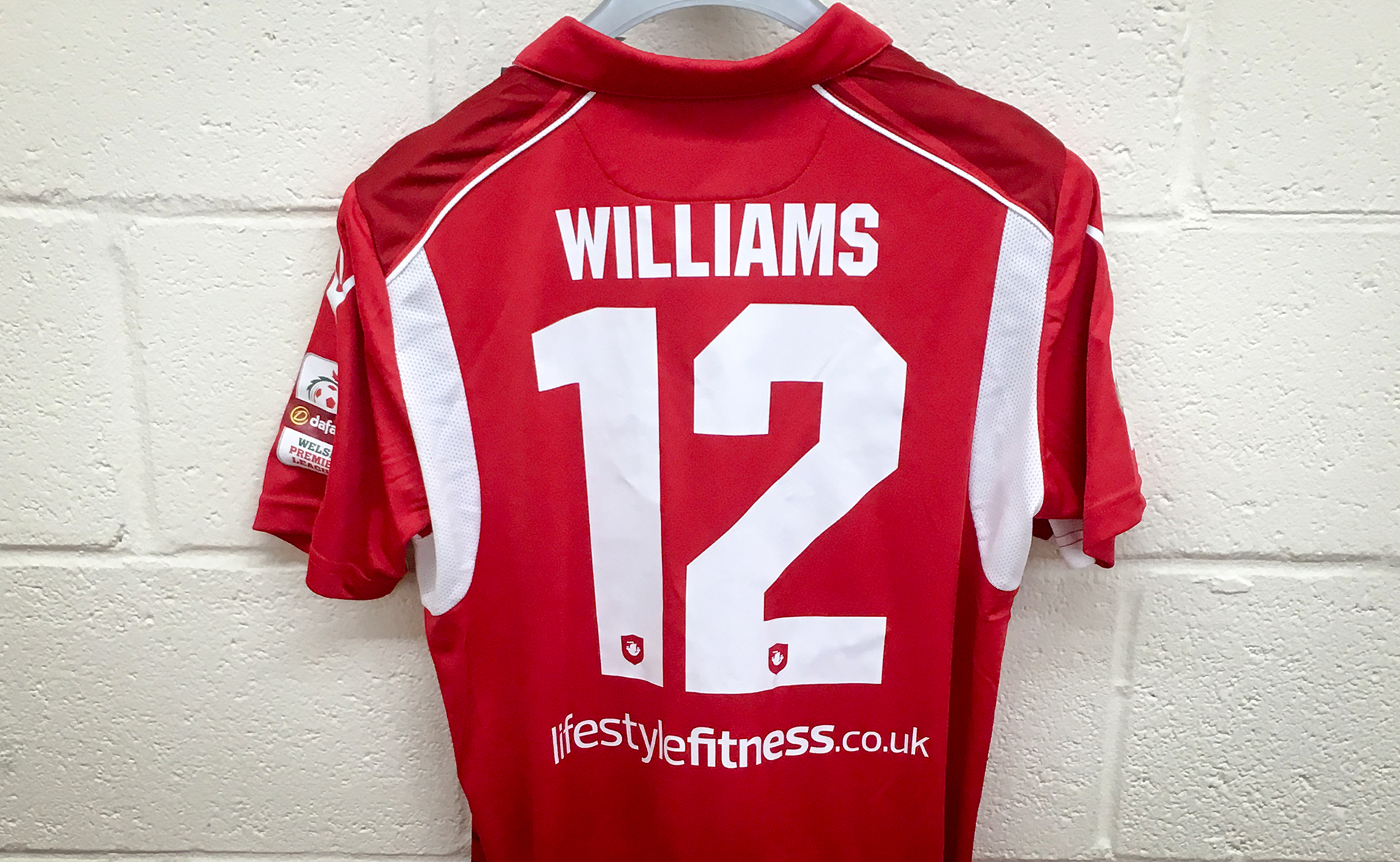 Nomads swoop for Williams