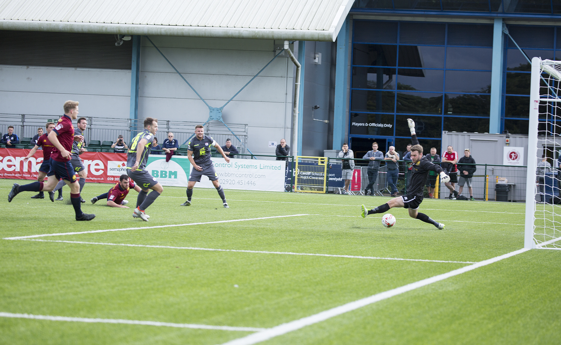 Matty Williams scores for The Nomads