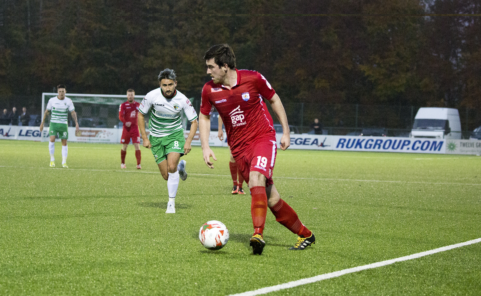 Matty Owen on the attack for The Nomads - © NCM Media