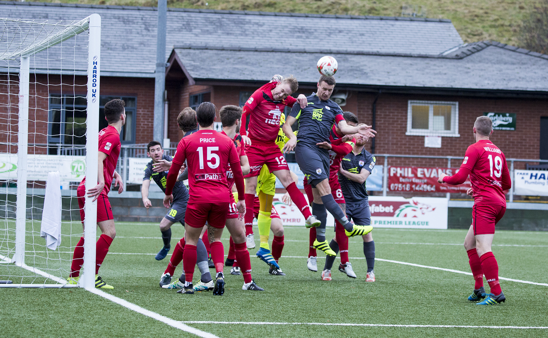 Nomads defeated by resurgent Robins