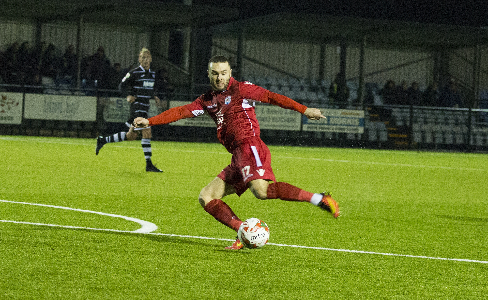 Late strike sees Nomads draw at Bala