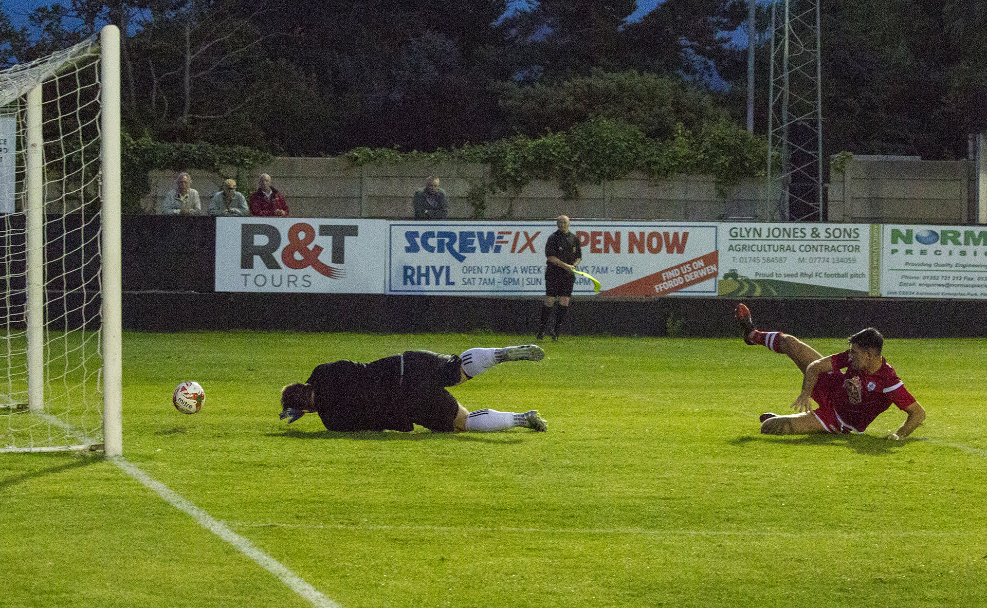 Michael Wilde doubles The Nomads' advantage in the 84th minute © NCM Media