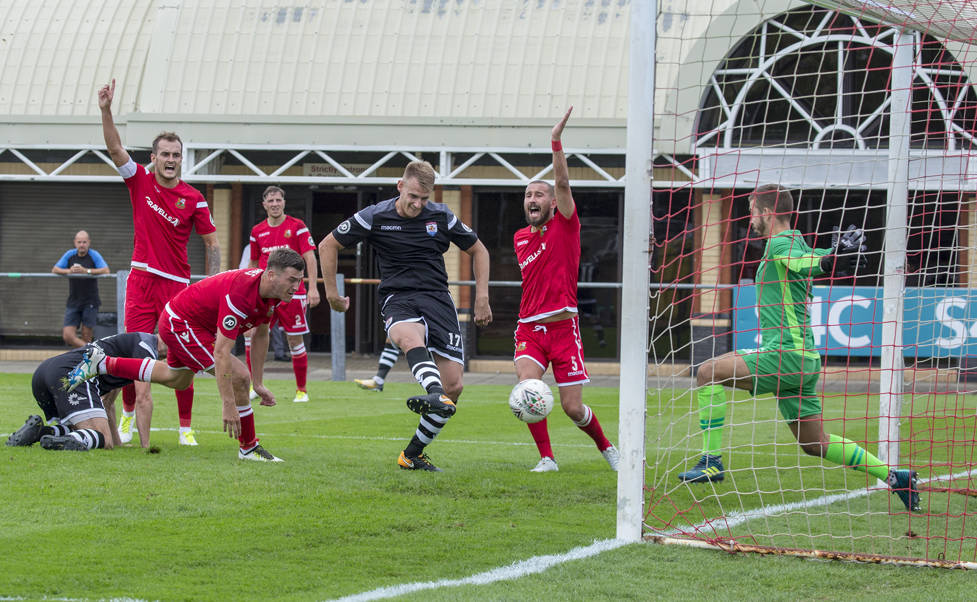 Nomads put seven past Llanelli in season opener