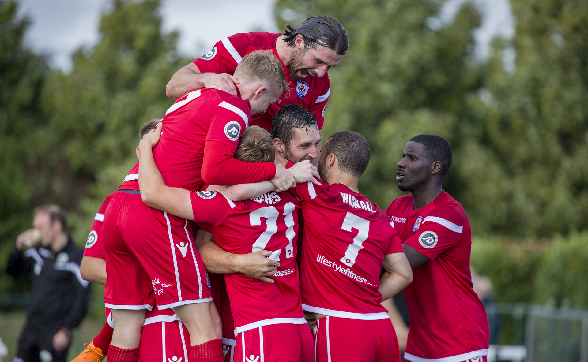 Connah's Quay Nomads players celebrate Andy Owens' strike © NCM Media