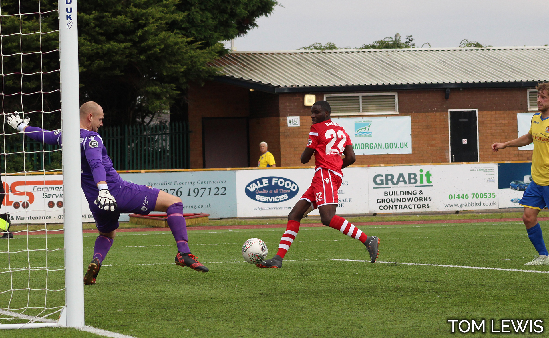 Michael Bakare is denied by Barry's goalkeeper - Photo courtesy of Tom Lewis