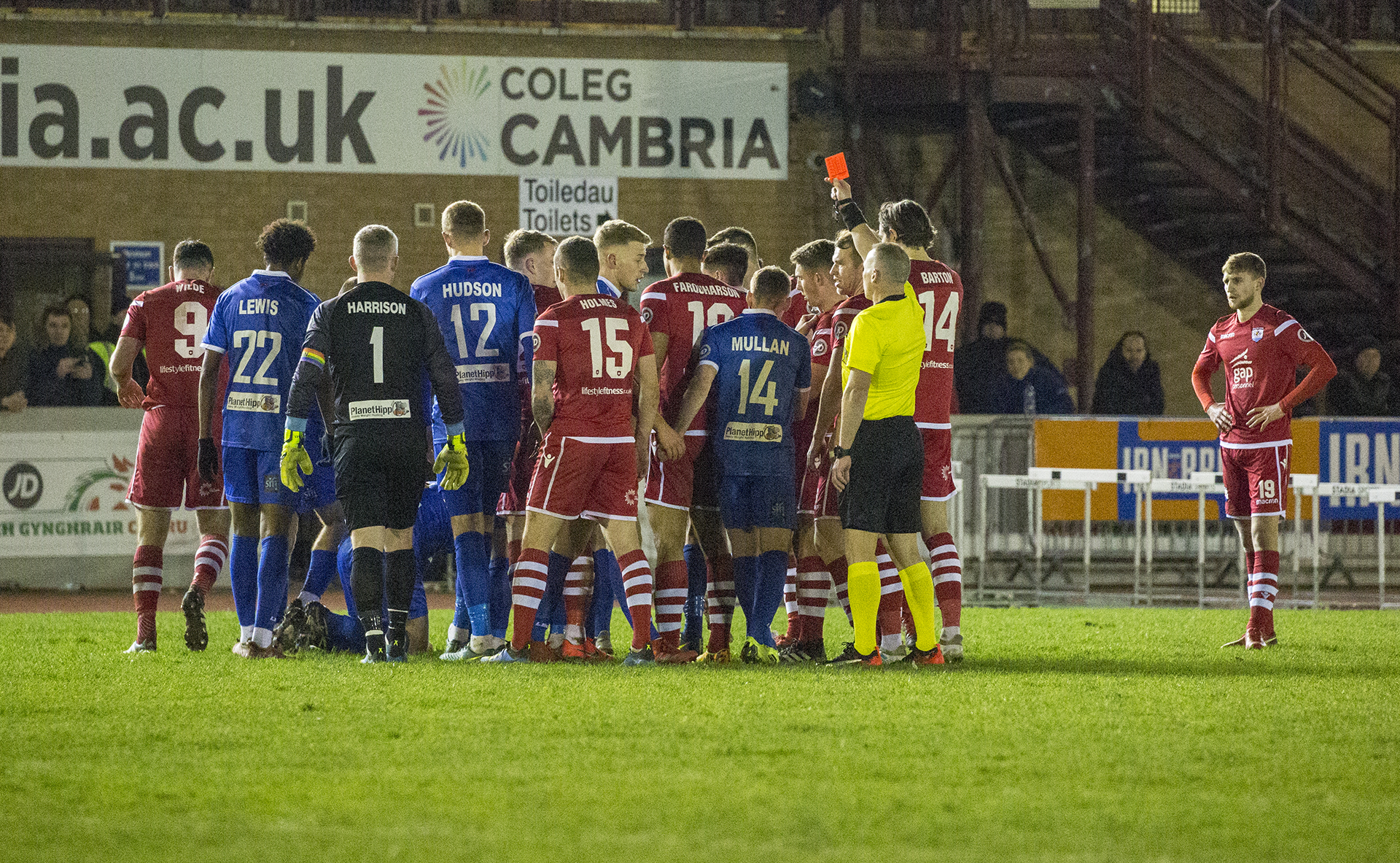 Nomads lose out in top of the table clash