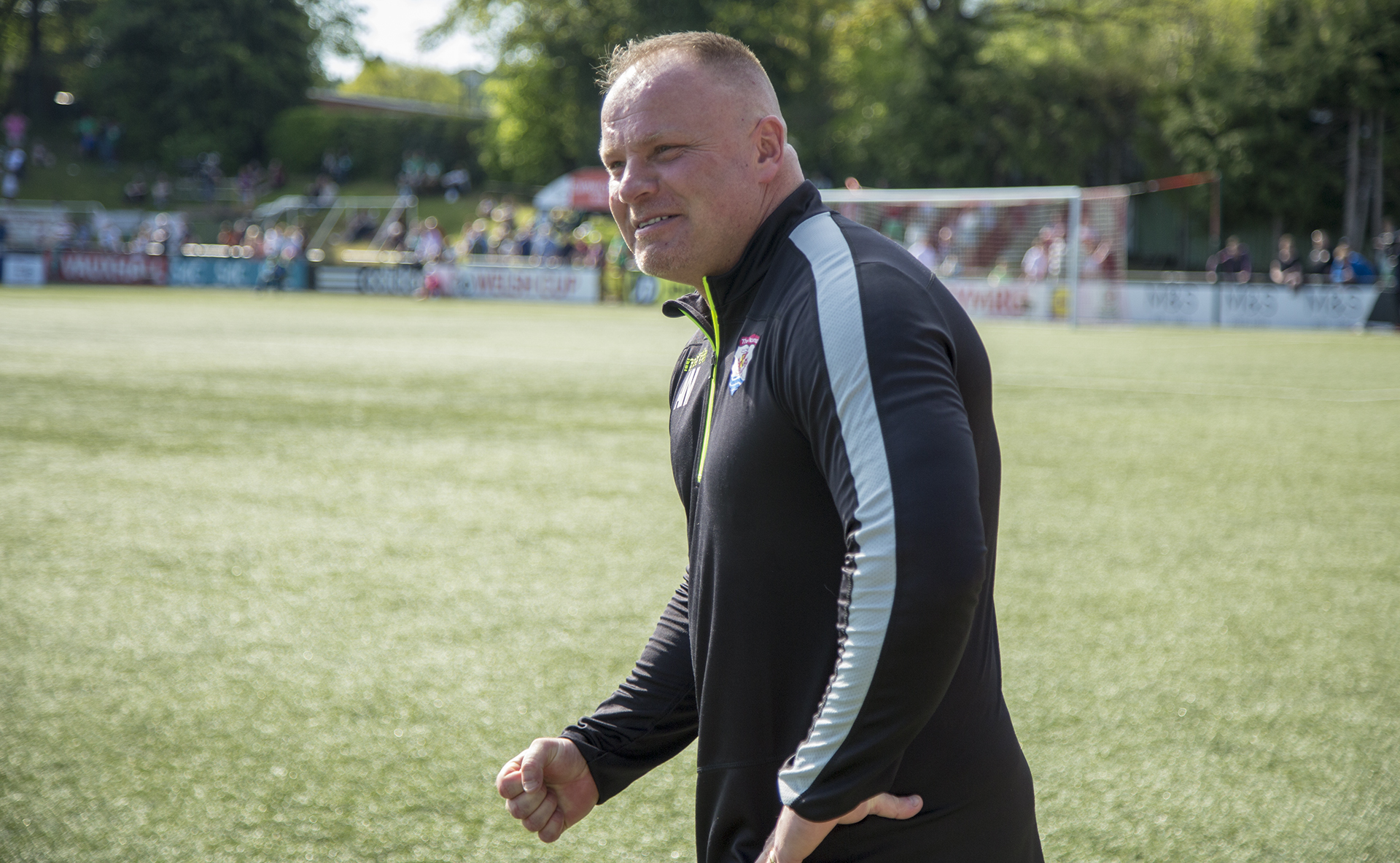 Andy Morrison picutred after The Nomads' 2018 JD Welsh Cup success | © NCM Media