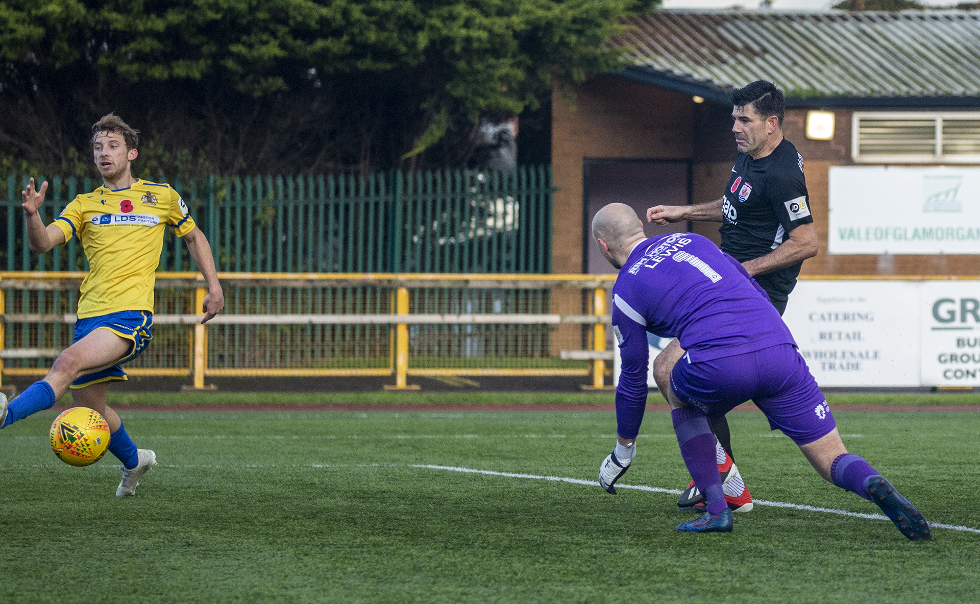 Wilde scores his second on the stroke of half time | © NCM Media